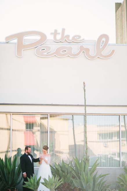 A Wild Retro Tiki Wedding at the Pearl Hotel – Photo by Let's Frolic Together