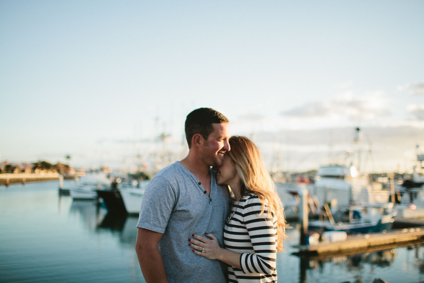 Seaside Love – Photo by Let's Frolic Together