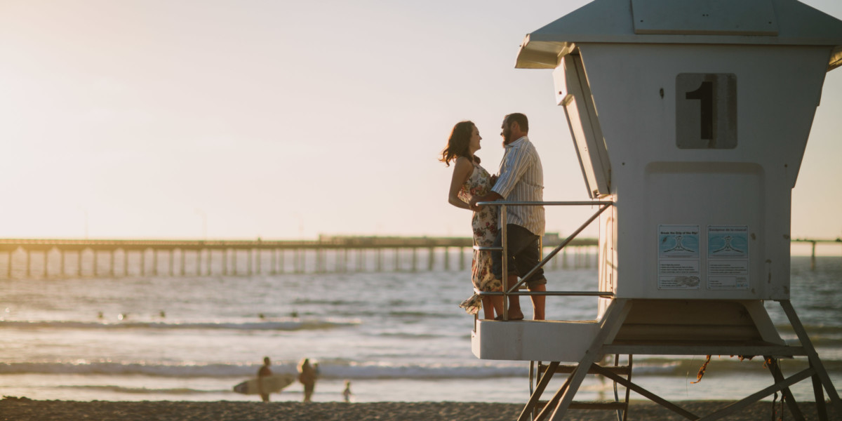 Puppy Love in Ocean Beach – Photo by Let's Frolic Together