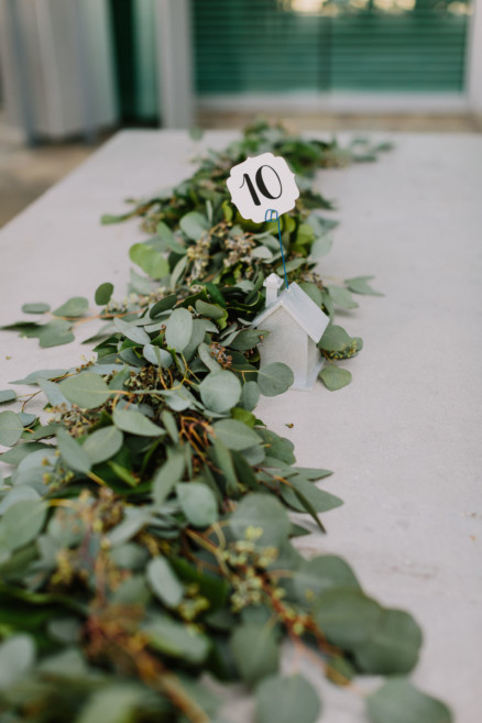 A Chic and Modern Outdoor Wedding – Photo by Let's Frolic Together