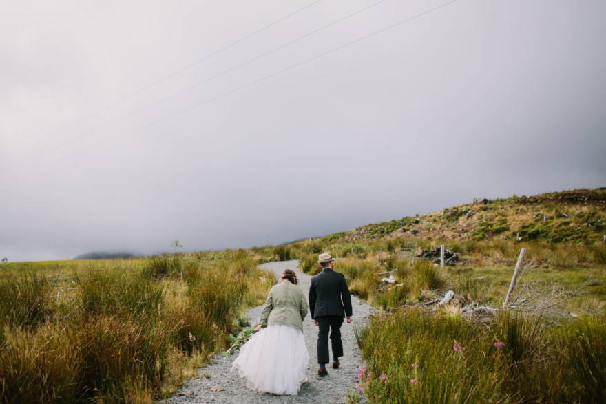 Dreamy Scottish Highlands Wedding – Photo by Let's Frolic Together