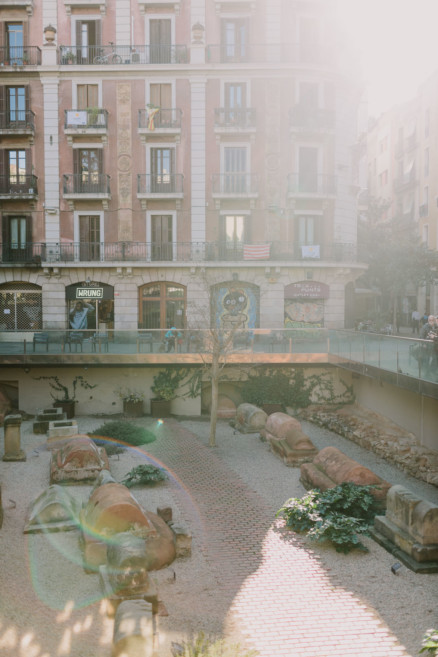 Alleys and Art in Barcelona – Photo by Let's Frolic Together