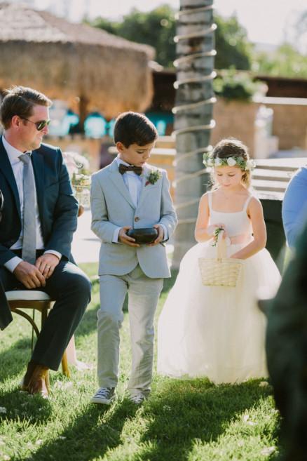 A Gorgeous Backyard Wedding Celebration – Photo by Let's Frolic Together