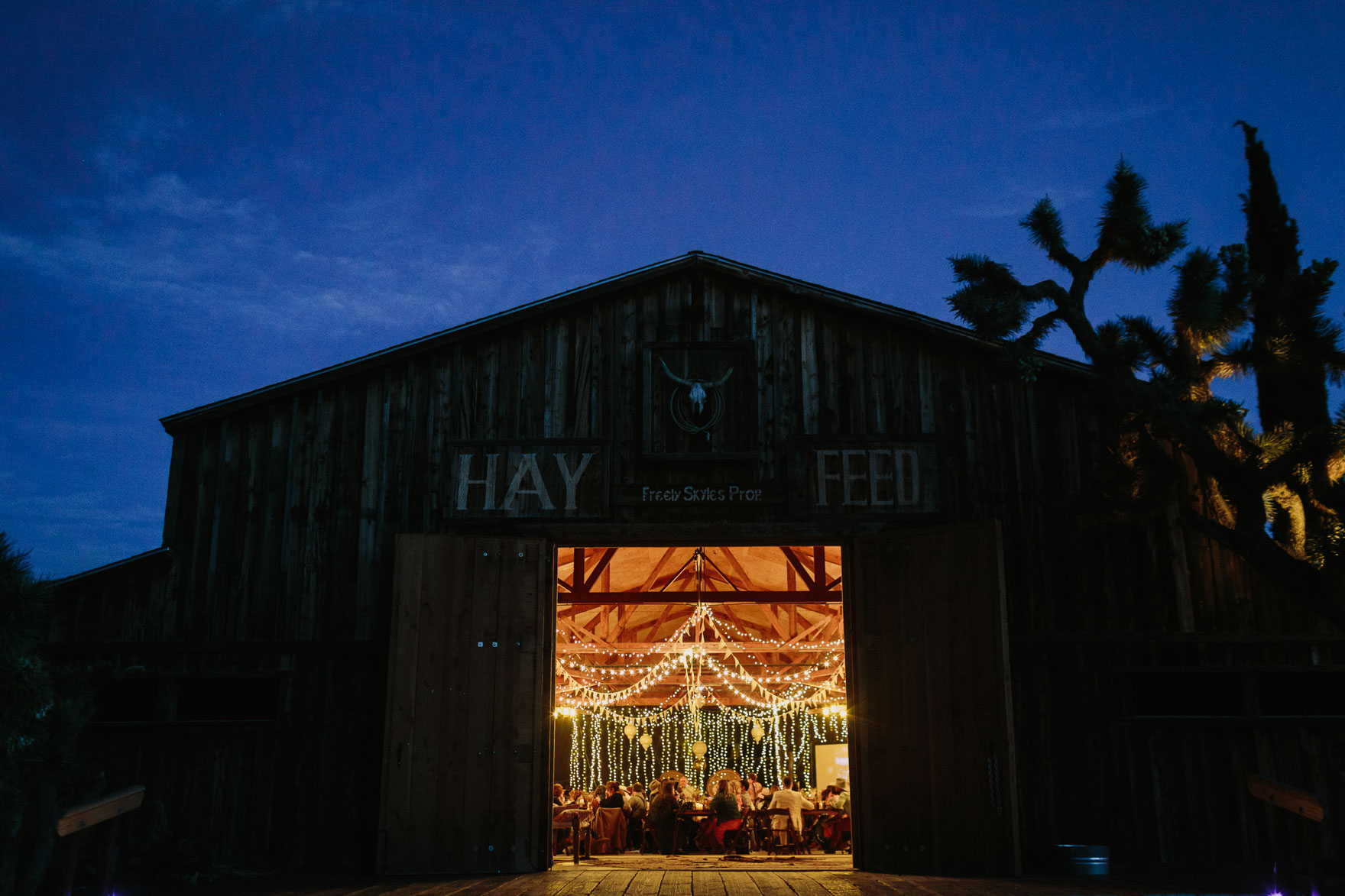 Mystic Western Boho Wedding – Photo by Let's Frolic Together