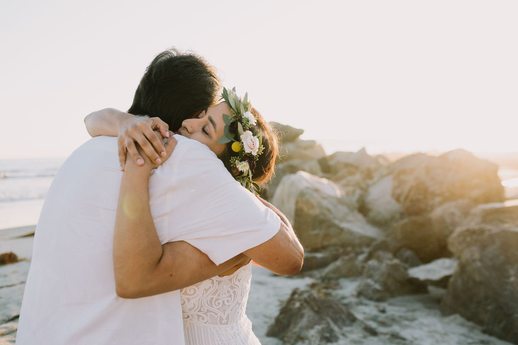 A Ceremony by the Sea – Photo by Let's Frolic Together
