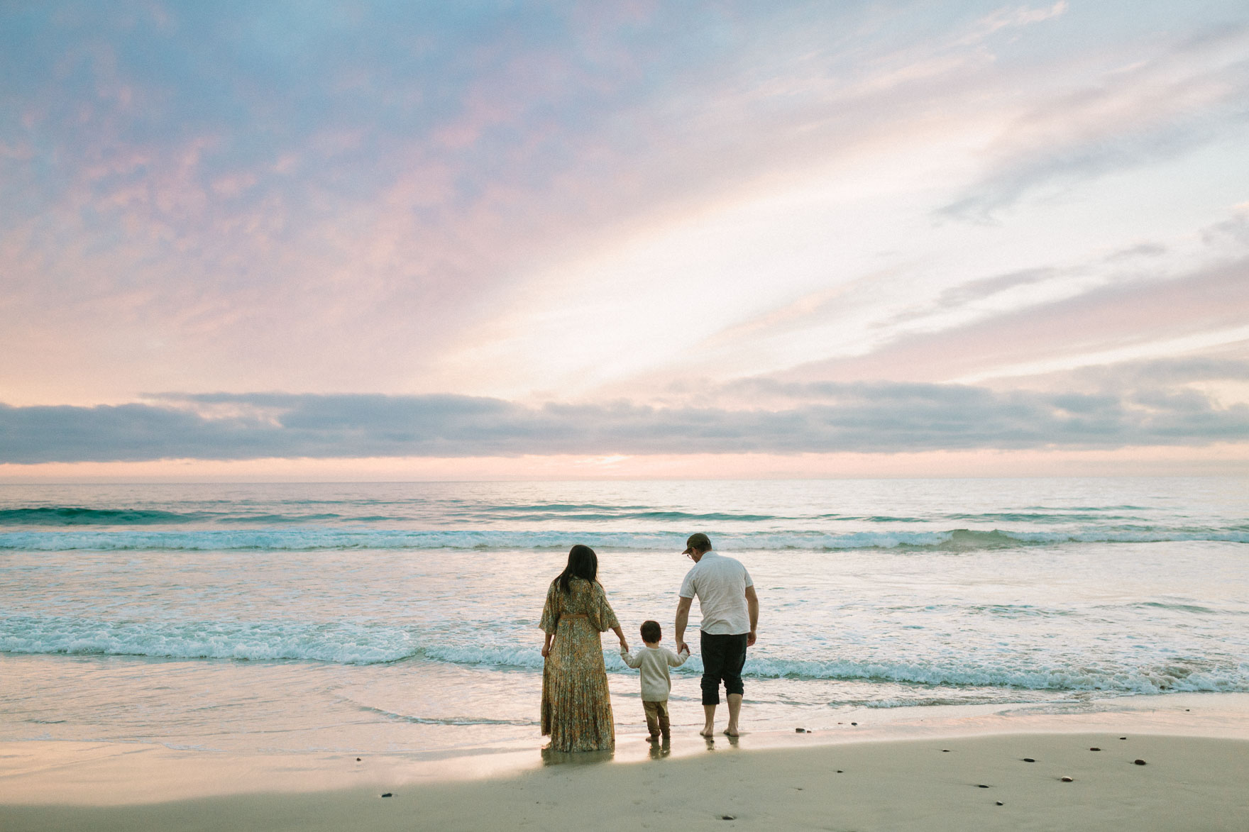 A Beachy Sunset Splash – Photo by Let's Frolic Together